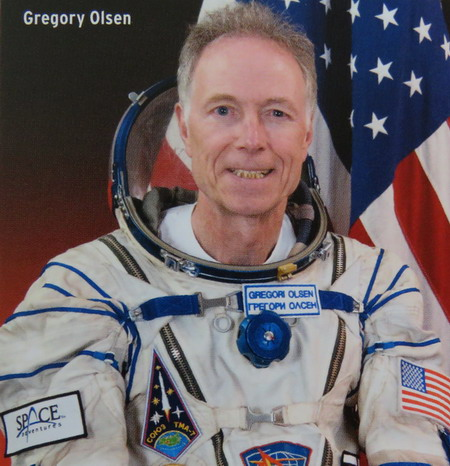 Space Adventures et ses cosmonautes touristes Olsen