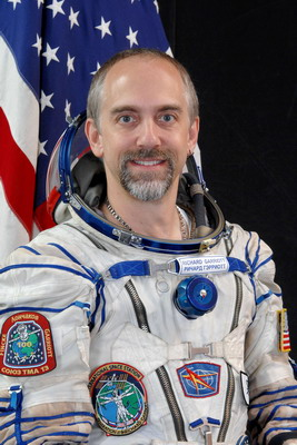 Space Adventures et ses cosmonautes touristes S%20TMA13%20Richard-Garriott