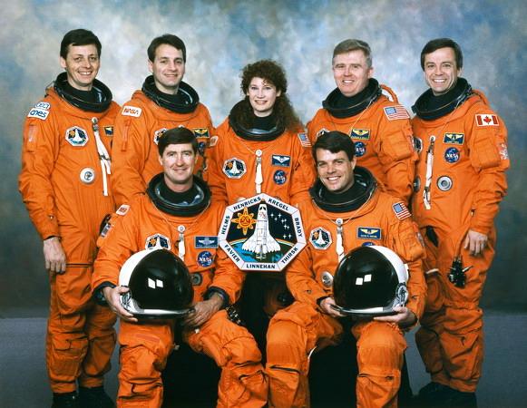 Le mystérieux badge spatial français du Comissariat à l'Energie Atomique! STS-78_crew