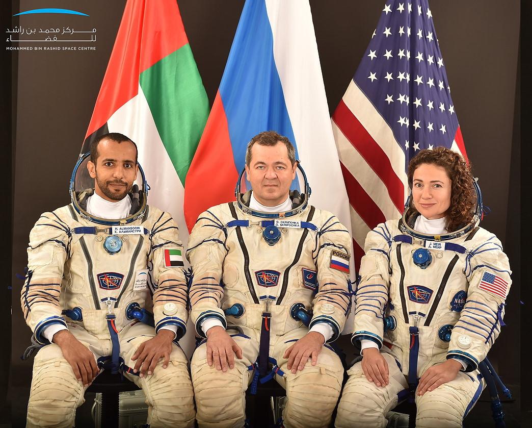 Programme spatial des Emirats Arabes Unis SoyMS15%20crew