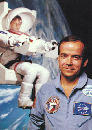 Patrick BAUDRY et son Space Camp: souvenirs et badges Space%20camp%20Baudry%20
