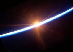 La badge ISS-35: un des plus beaux Coucher%20soleil%202