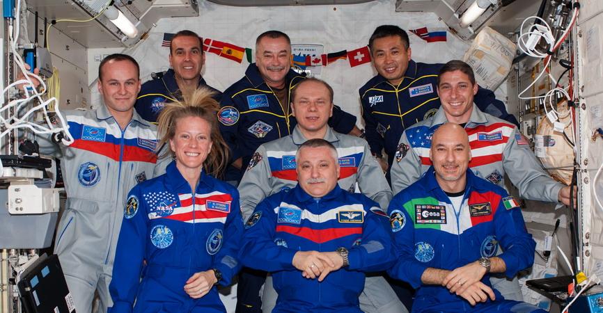 Connaissez-vous l'Expedition 37.5 et son badge ? Exp%203.5%20c