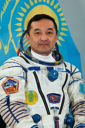 Découvrez le Kazakhstan et ses cosmonautes... Kazakh%20Aimbetov_orig