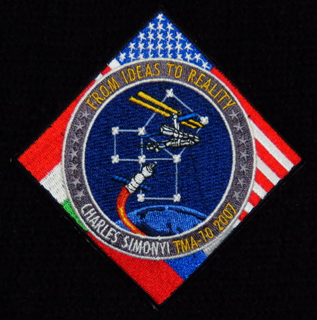 Space Adventures et ses cosmonautes touristes SoyTMA10Simonyi
